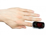 Fingertip Pulse Oximeter with Low Power Consumption